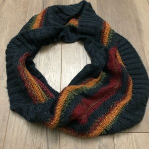 Accessories - Heavy knit infinity scarf
